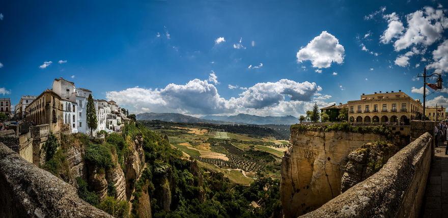 paesi-scogliere-colline-ripide-rocche-mondo-21
