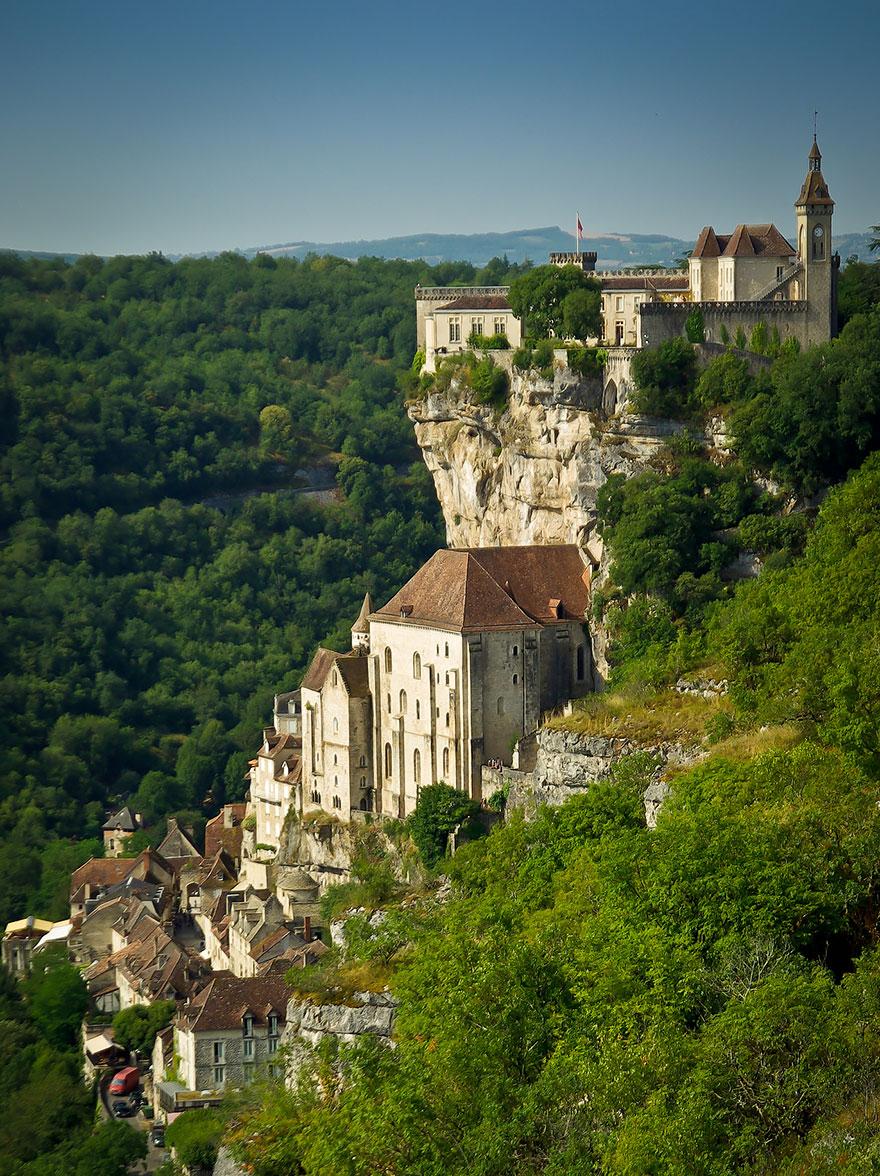 paesi-scogliere-colline-ripide-rocche-mondo-25