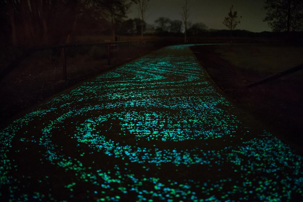 pista-ciclabile-solare-illuminata-led-paesi-passi-olanda-nuenen-3