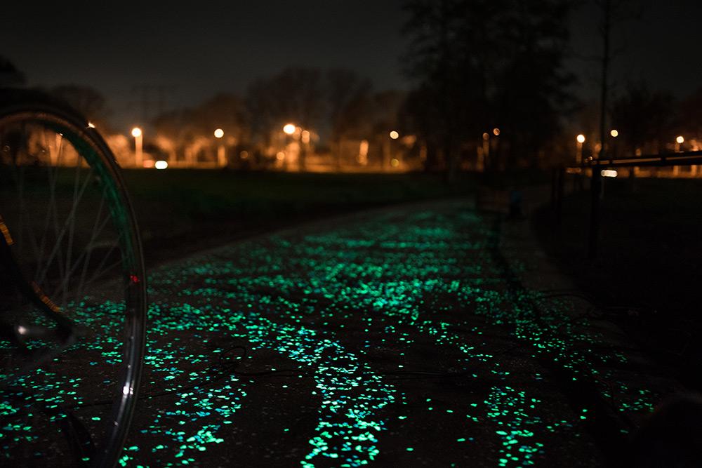 pista-ciclabile-solare-illuminata-led-paesi-passi-olanda-nuenen-6