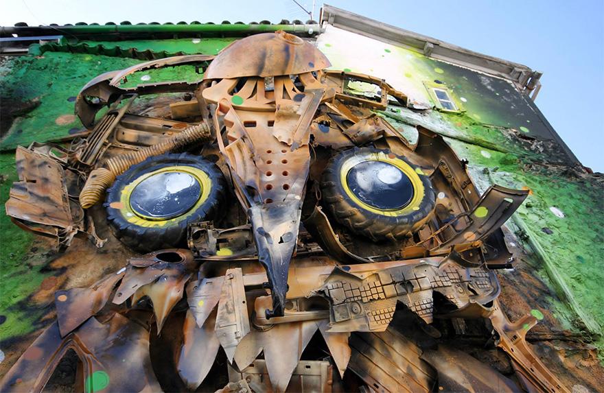 street-art-scultura-rifiuti-riciclati-gufo-artur-bordalo-3