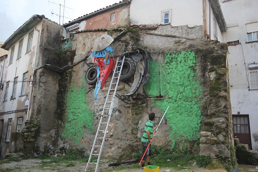 street-art-scultura-rifiuti-riciclati-gufo-artur-bordalo-6