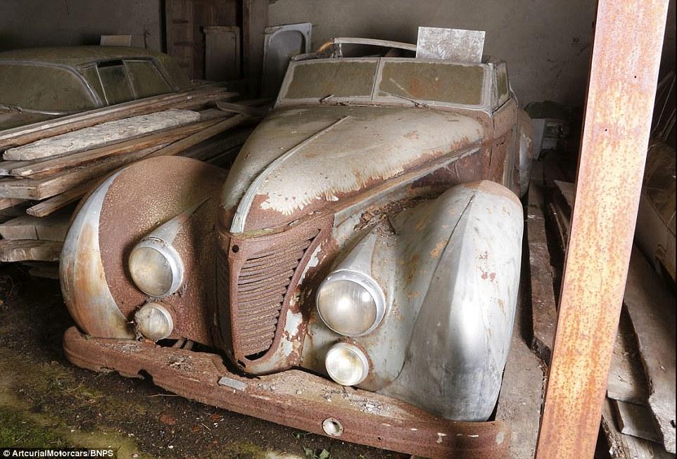 60-automobili-epoca-vintage-abbandonate-02