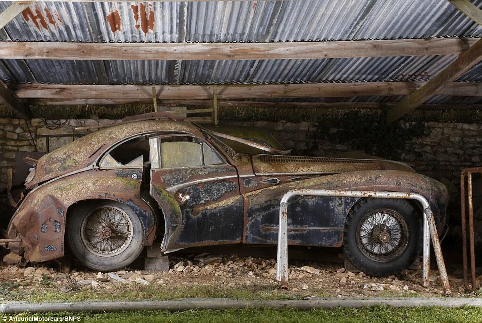 60-automobili-epoca-vintage-abbandonate-04