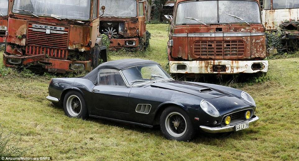 60-automobili-epoca-vintage-abbandonate-06