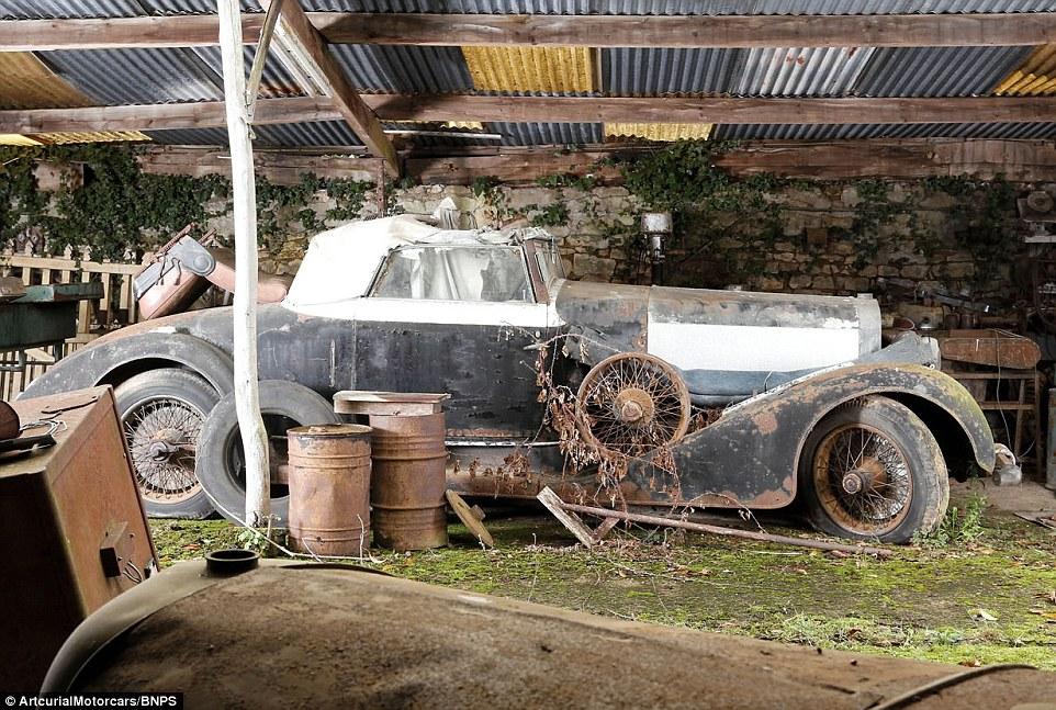 60-automobili-epoca-vintage-abbandonate-07
