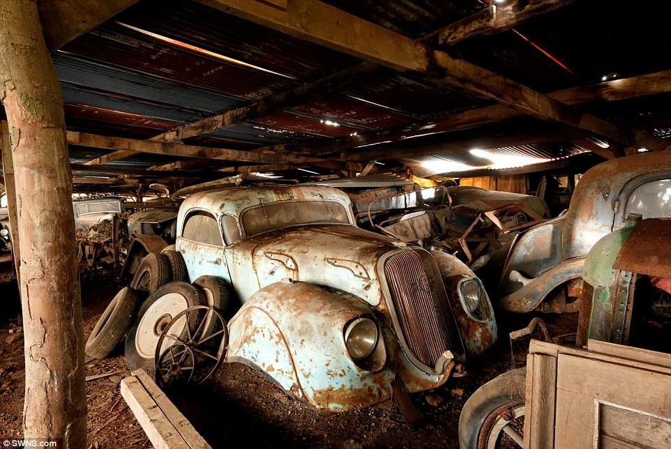 60-automobili-epoca-vintage-abbandonate-09