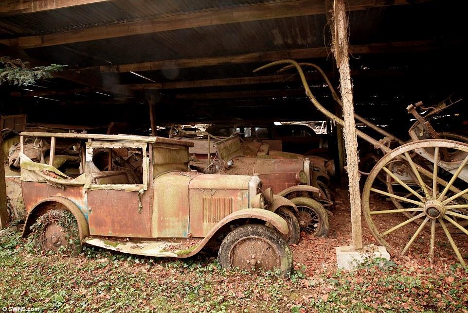 60-automobili-epoca-vintage-abbandonate-10