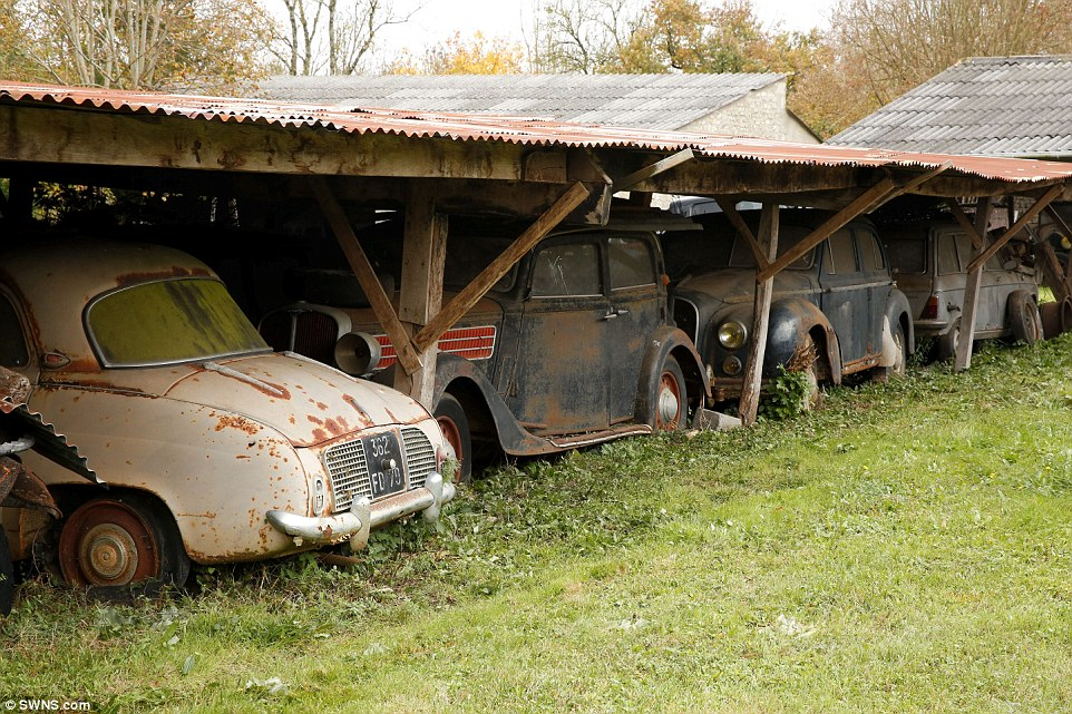60-automobili-epoca-vintage-abbandonate-11