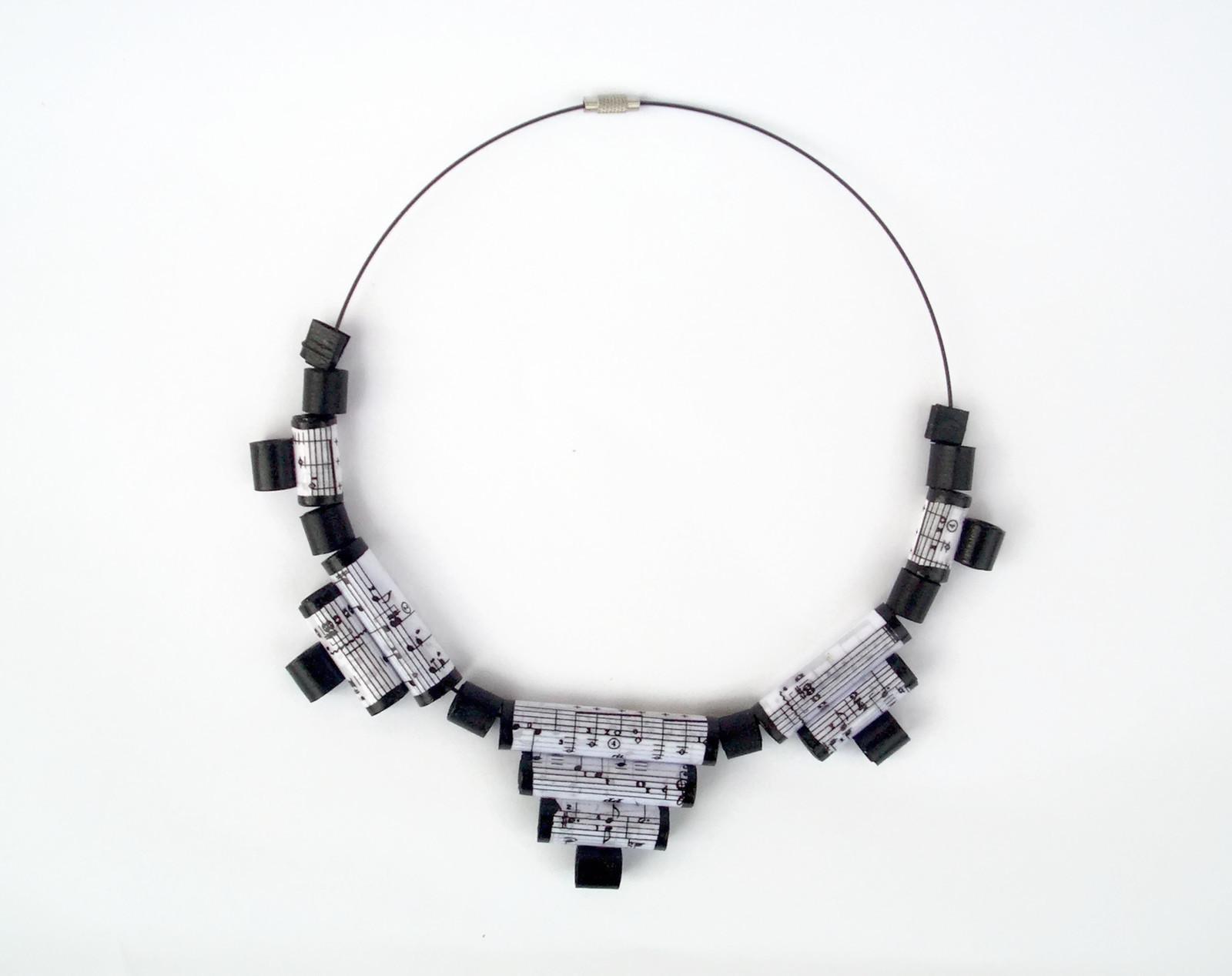 CIMG0204-collane-artistiche-materiali-riciclati-egeo