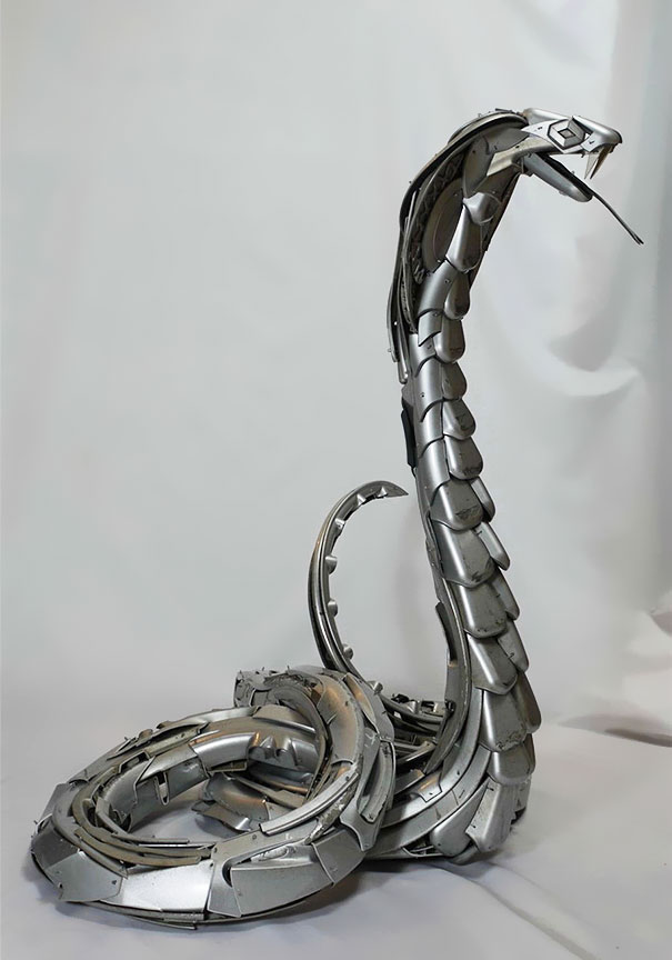 arte-sculture-riciclare-borchie-coprimozzi-ptolemy-elrington-12