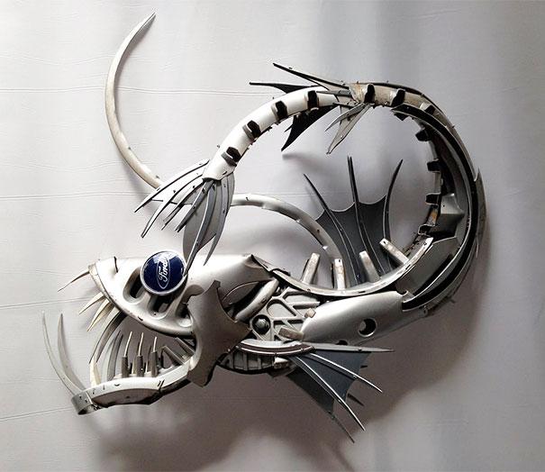 arte-sculture-riciclare-borchie-coprimozzi-ptolemy-elrington-15