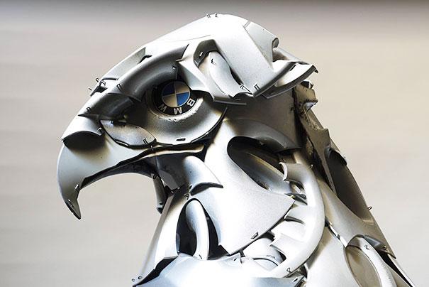 arte-sculture-riciclare-borchie-coprimozzi-ptolemy-elrington-16