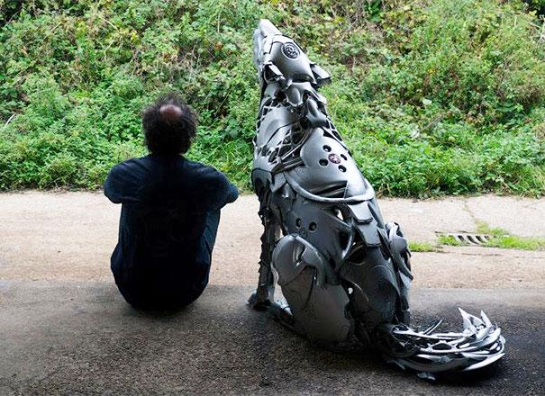 arte-sculture-riciclare-borchie-coprimozzi-ptolemy-elrington-21