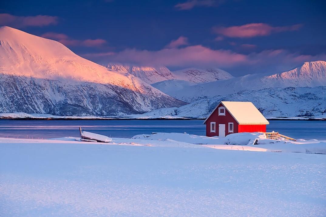 20 case solitarie nel mezzo di maestosi paesaggi invernali for Immagini di belle case