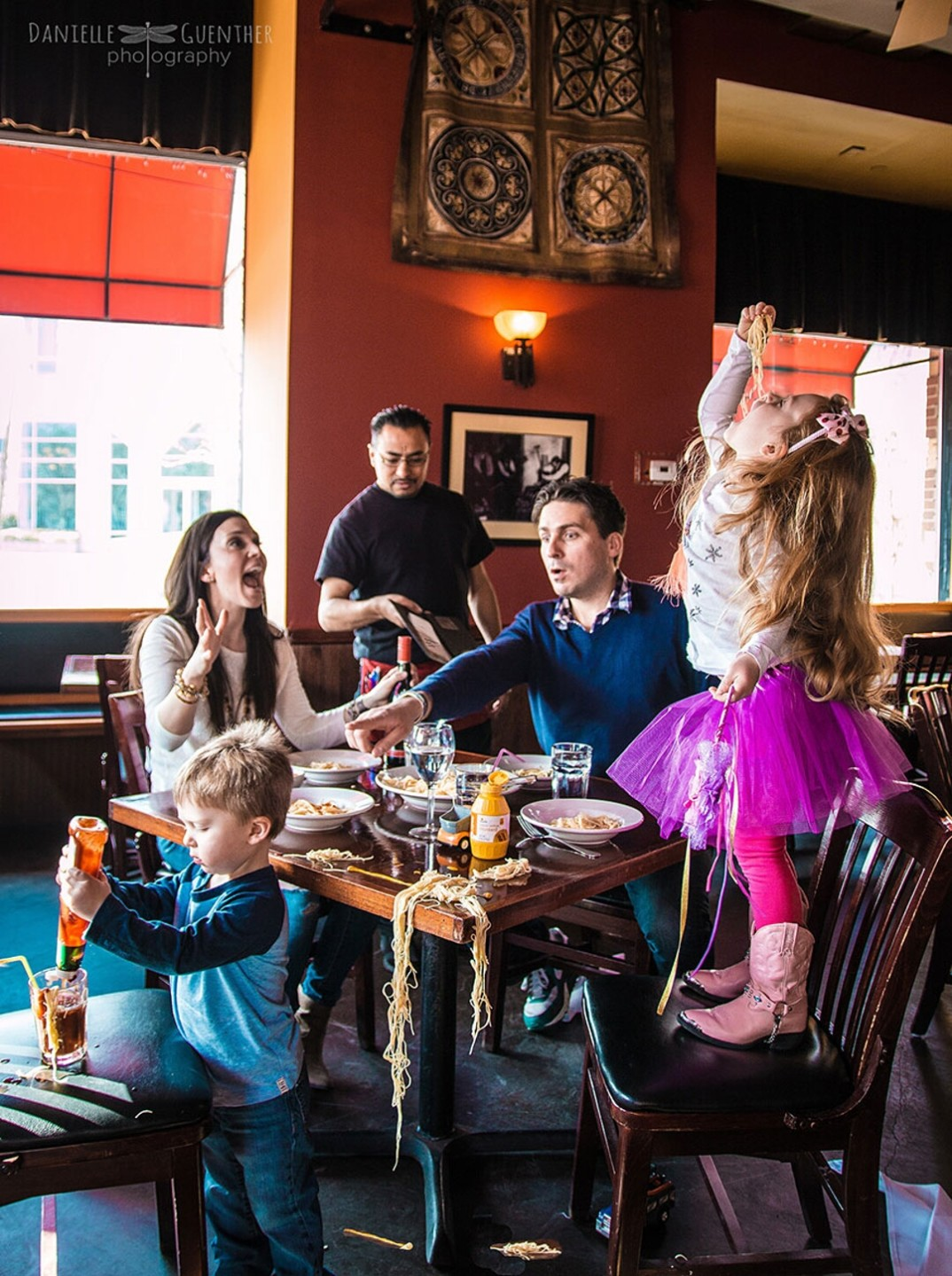 fotografia-famiglia-caos-divertente-08