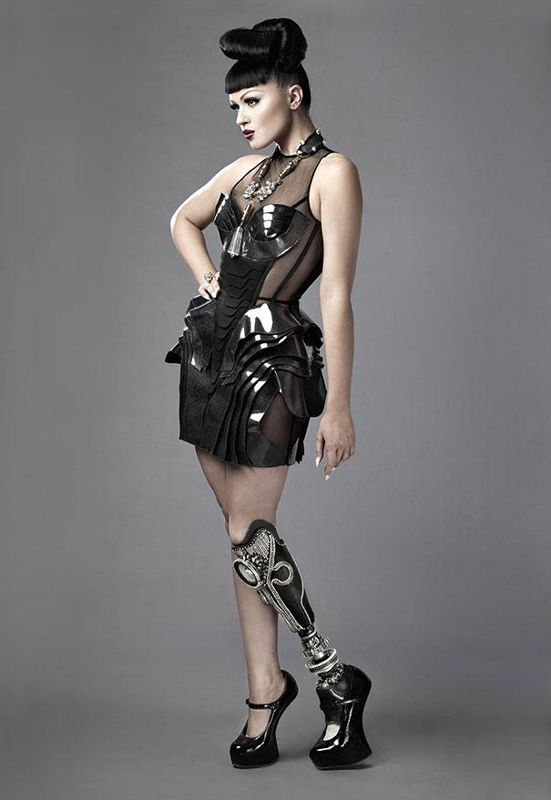 gamba-protesi-prototype-viktoria-modesta-2