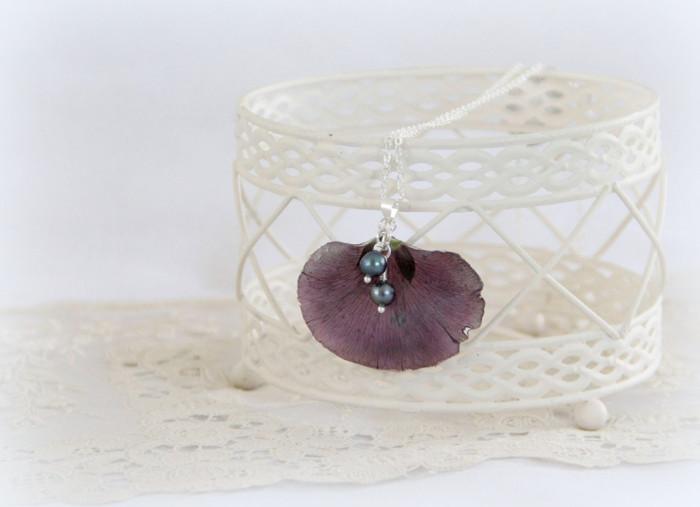 gioielli-collane-ciondoli-fiori-piante-foglie-petali-resina-02