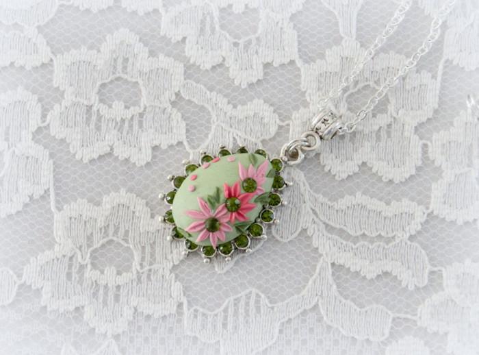 gioielli-collane-ciondoli-fiori-piante-foglie-petali-resina-03