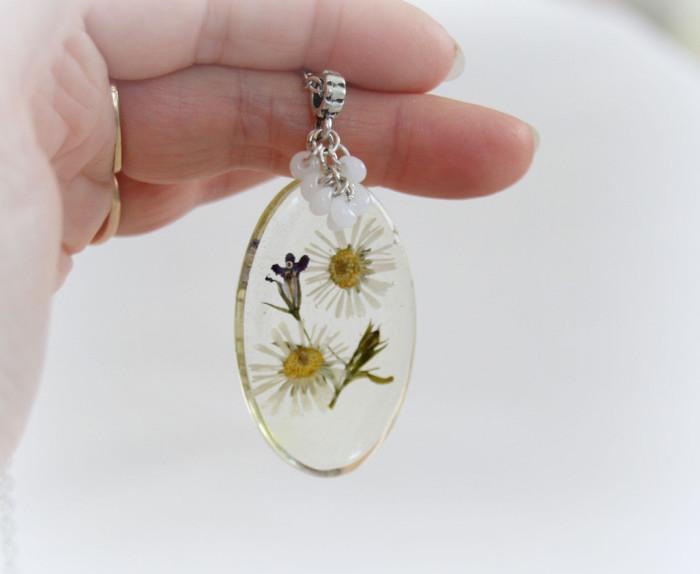 gioielli-collane-ciondoli-fiori-piante-foglie-petali-resina-04