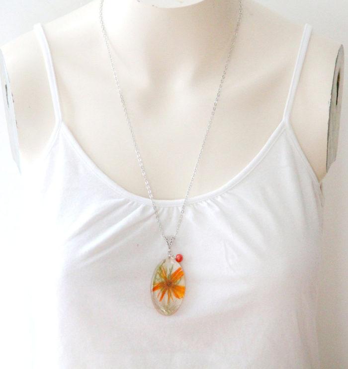 gioielli-collane-ciondoli-fiori-piante-foglie-petali-resina-08