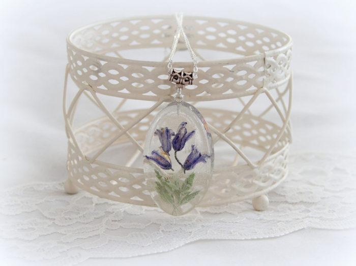 gioielli-collane-ciondoli-fiori-piante-foglie-petali-resina-13