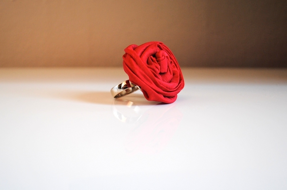 LOVE Ring-gioielli-artigianali-ecosostenibili-in-tessuto