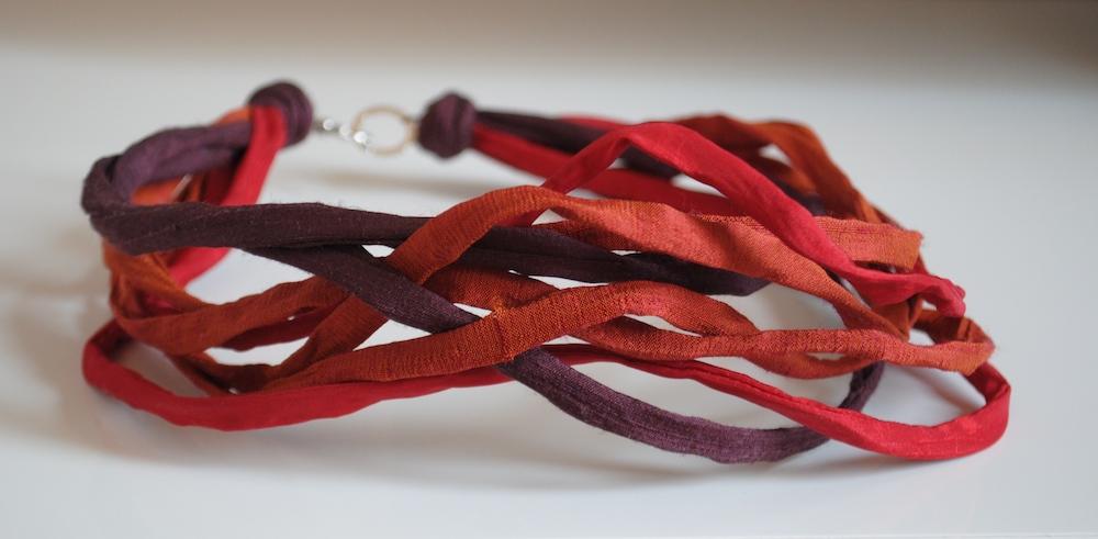 MULTISTRAND Necklace-gioielli-artigianali-ecosostenibili-in-tessuto