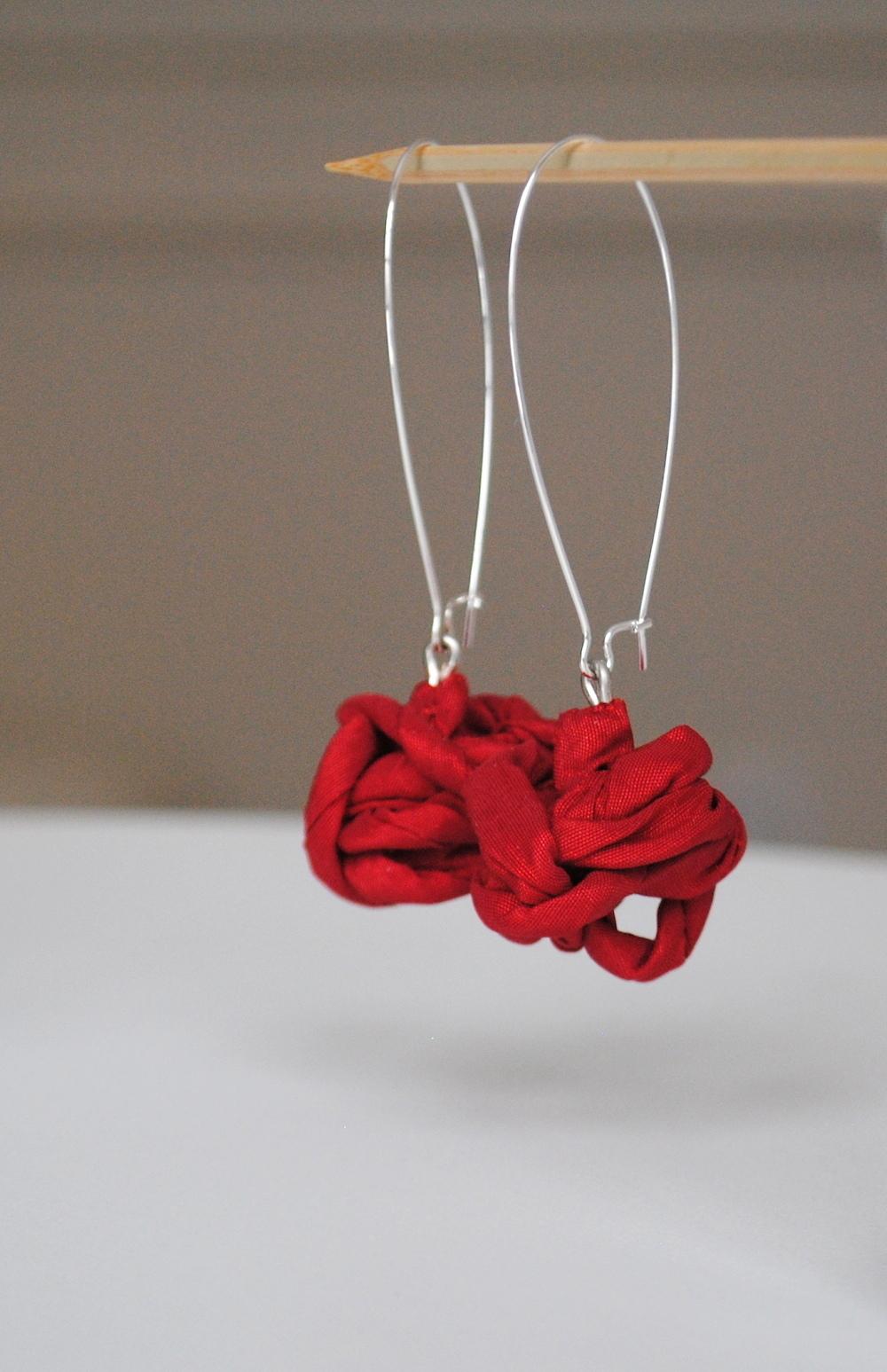 TANGLED Earrings-gioielli-artigianali-ecosostenibili-in-tessuto