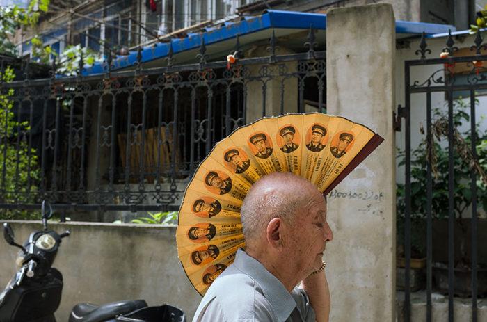 fotografo-autodidatta-cinese-scene-di-strada-divertenti-05