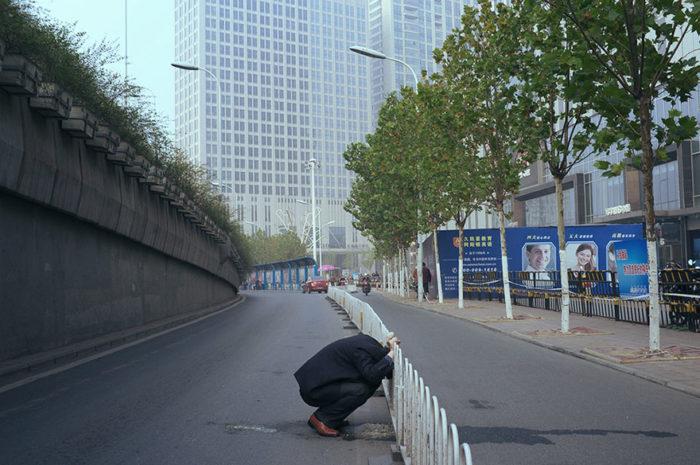 fotografo-autodidatta-cinese-scene-di-strada-divertenti-07