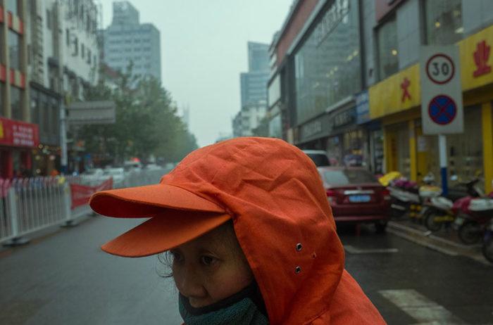 fotografo-autodidatta-cinese-scene-di-strada-divertenti-08