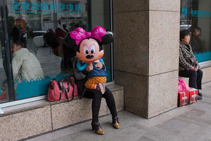 fotografo-autodidatta-cinese-scene-di-strada-divertenti-10