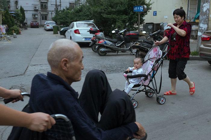 fotografo-autodidatta-cinese-scene-di-strada-divertenti-11