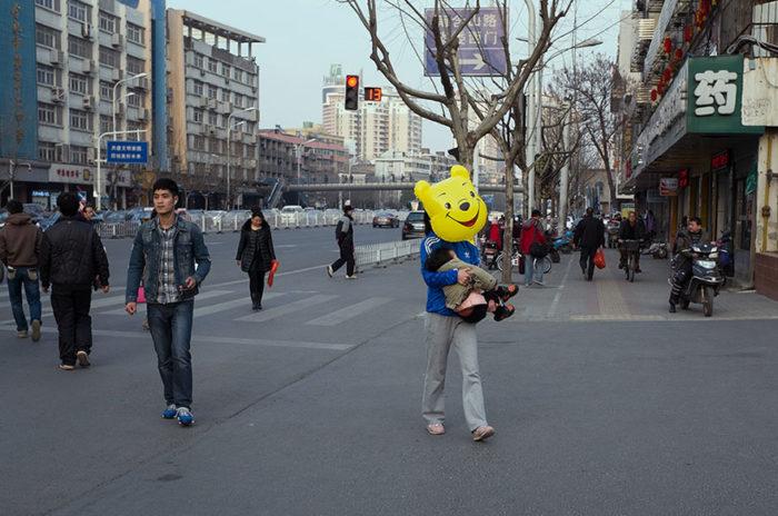 fotografo-autodidatta-cinese-scene-di-strada-divertenti-20