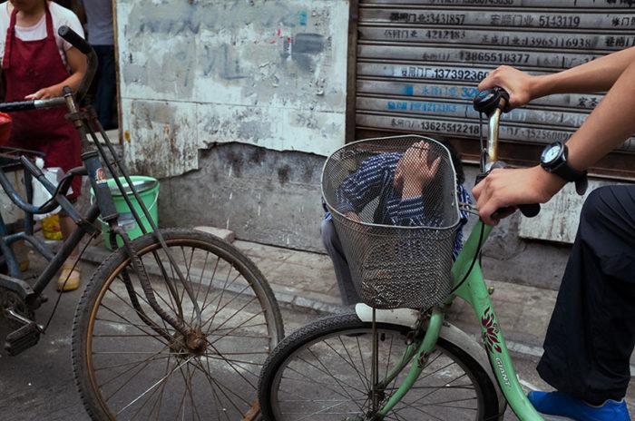 fotografo-autodidatta-cinese-scene-di-strada-divertenti-23