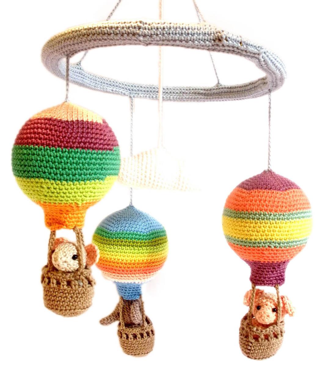 Giocattoli e decorazioni all 39 uncinetto di crochet on a - Decorazioni uncinetto ...