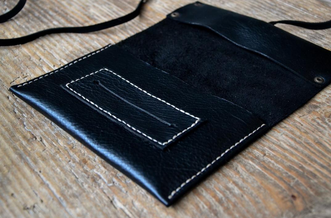 DSC_0927-accessori-portafogli-cinture-pelle-cuoio