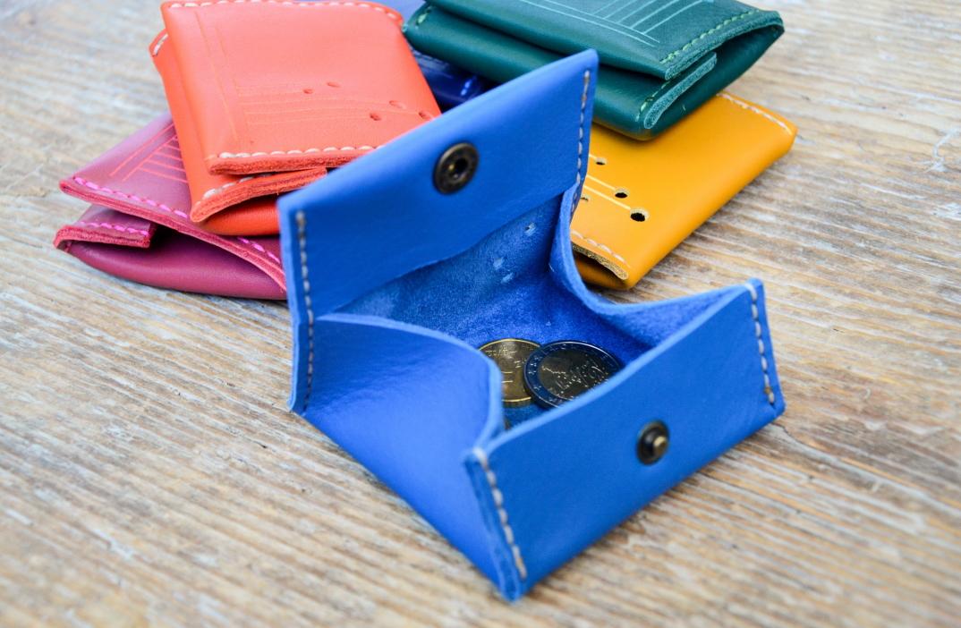 DSC_1930-accessori-portafogli-cinture-pelle-cuoio