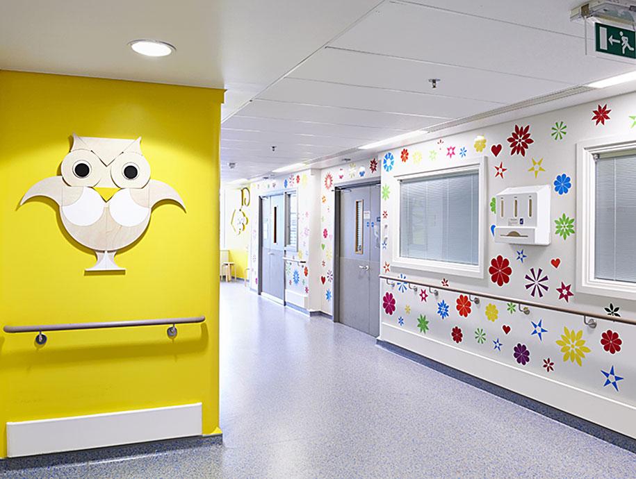 artisti-disegni-ospedale-pediatrico-bambini-londra-vital-arts-08