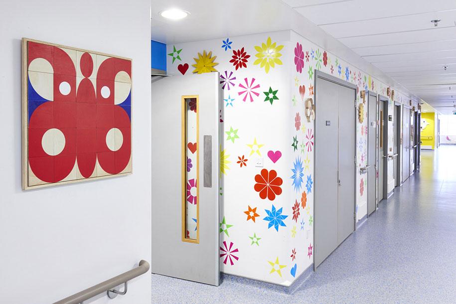 artisti-disegni-ospedale-pediatrico-bambini-londra-vital-arts-11