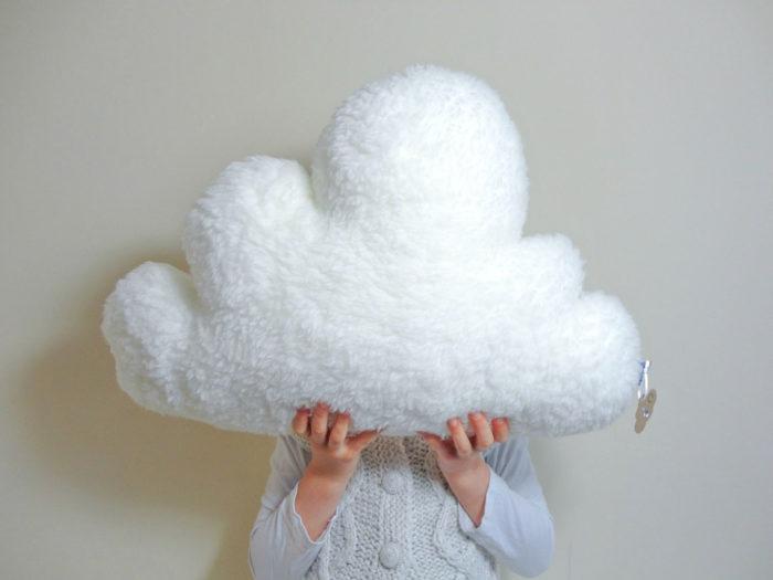 Cuscini A Forma Di Nuvola.30 Tra Le Federe E I Cuscini Piu Creativi E Divertenti