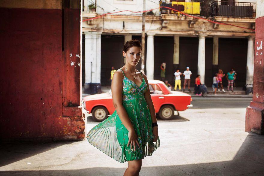 foto-donne-mondo-bellezza-mihaela-noroc-02
