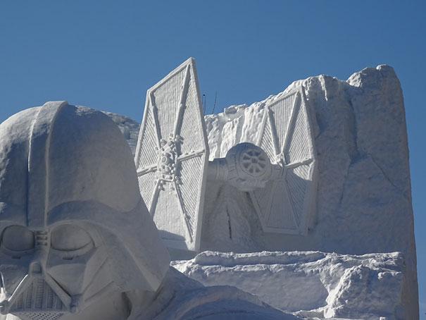 scultura-gigantesca-guerre-stellari-star-wars-neve-sapporo-festival-giappone-01