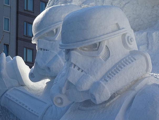 scultura-gigantesca-guerre-stellari-star-wars-neve-sapporo-festival-giappone-03