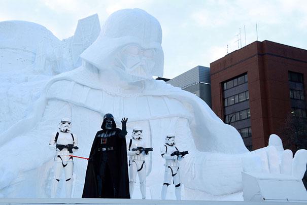 scultura-gigantesca-guerre-stellari-star-wars-neve-sapporo-festival-giappone-04
