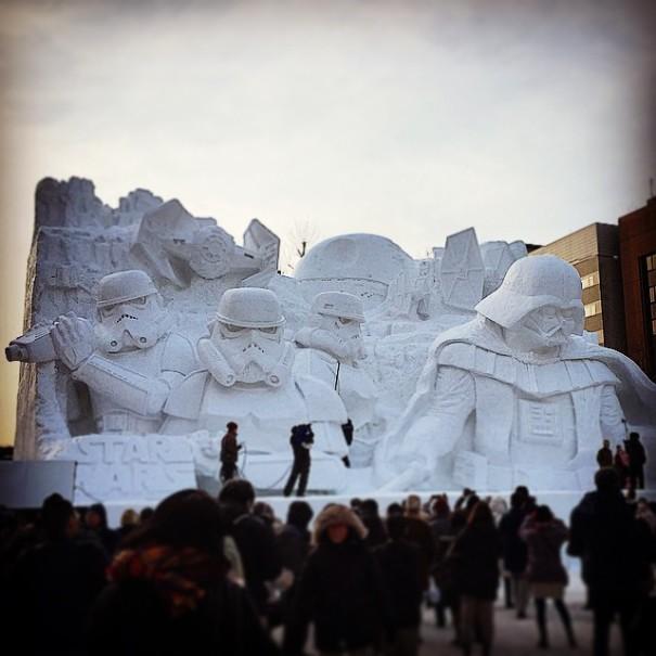scultura-gigantesca-guerre-stellari-star-wars-neve-sapporo-festival-giappone-08