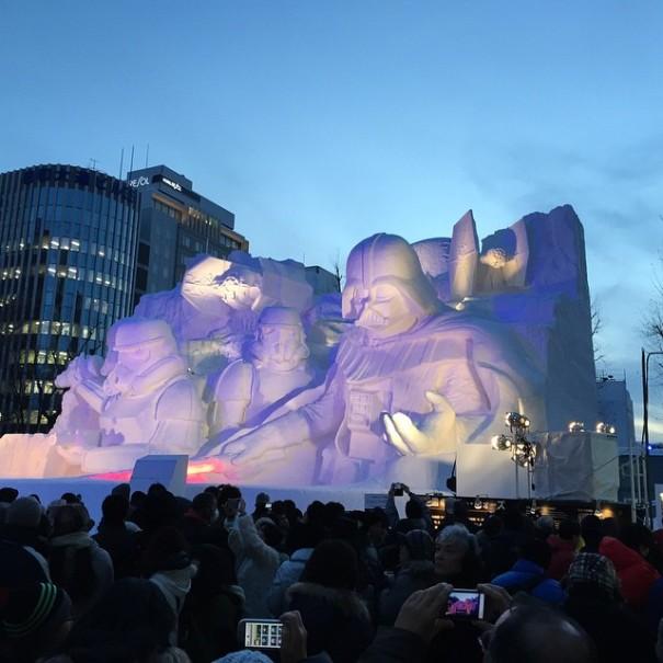 scultura-gigantesca-guerre-stellari-star-wars-neve-sapporo-festival-giappone-09