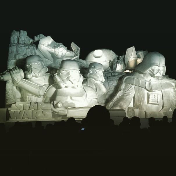 scultura-gigantesca-guerre-stellari-star-wars-neve-sapporo-festival-giappone-10