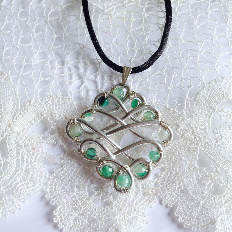 IMG_7660_A-gioielli-artigianali-fatti-a-mano-pietra-blu